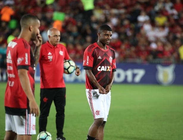 Elogios ao atacante Lincoln são constantes nas dependências do CT. Foto: Gilvan de Souza/Flamengo