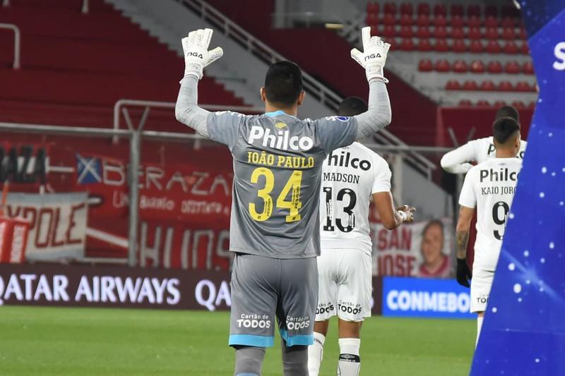 João Paulo foi o herói da classificação santista na Sul-Americana. Foto: Ivan Storti/Santos FC