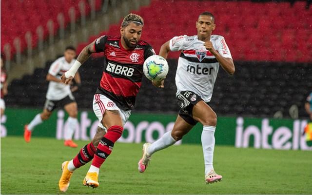 Gabigol está confirmado para comandar o ataque rubro-negro. Foto: Alexandre Vidal/Flamengo