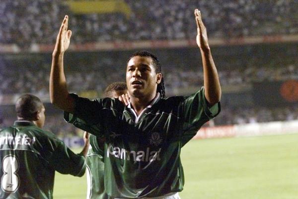 Atacante comemora 20 anos da primeira Copa do Brasil do Palmeiras. Foto: Evelson de Freitas/Folhapress/Via UOL