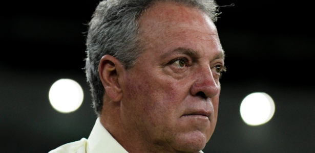 O técnico Abel Braga, do Fluminense, é o preferido para assumir o Inter em 2018