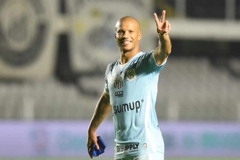 Meia uruguaio alcançou 27 gols com a camisa santista. Foto: Ivan Storti/Santos FC