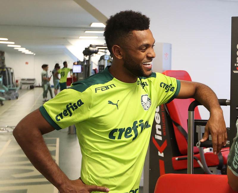 Centroavante do Verdão foi colocado no mercado e está na mira do Grêmio. Foto: Cesar Greco