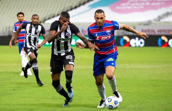 Equipes travam clássico regional pelo Brasileiro. Foto: Ceará Sporting Club/Divulgação