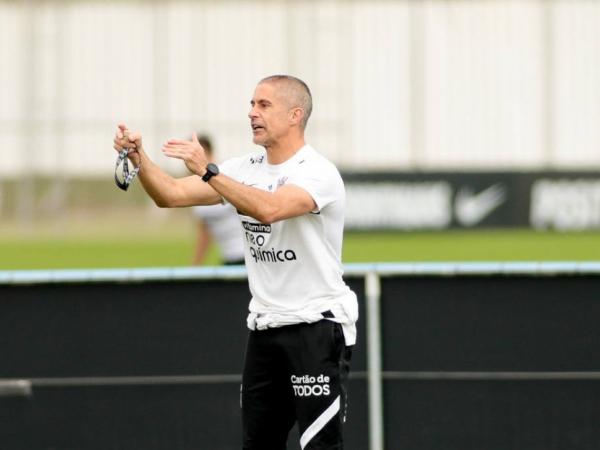 Em quase três meses de trabalho, o Timão quase não evoluiu com o treinador. Foto: Rodrigo Coca/Ag Corinthians