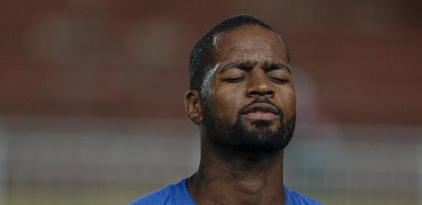 Dedé voltou aos campos no mês de março e ganhou a disputa com Caicedo