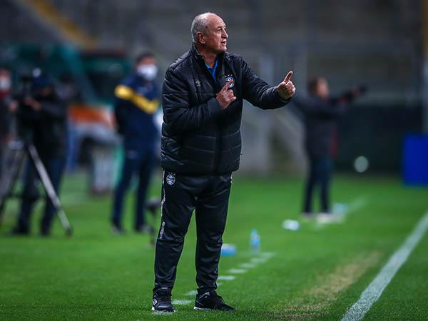 Treinador tricolor ainda pediu que o clube consiga recuperar seus jogadores machucados. Foto: Lucas Uebel/Grêmio