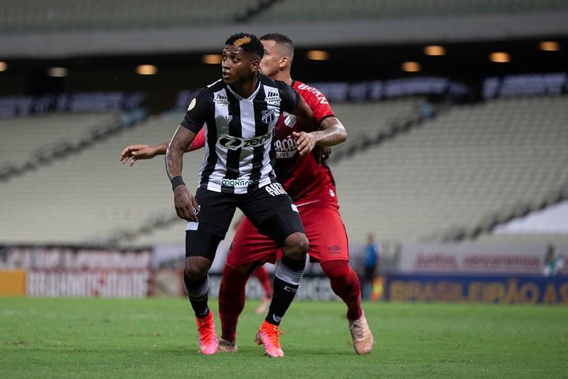 Colombiano Yoni González já trabalhou com Fernando Diniz no Fluminense. Foto: Ceará/Divulgação