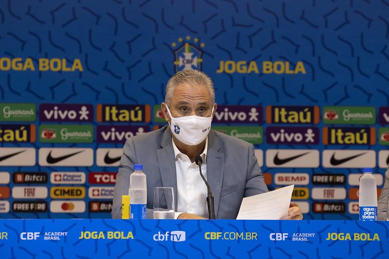 Treinador da seleção disse buscar a evolução da seleção em busca de um jogo mais bonito. Foto: Lucas Figueiredo/CBF