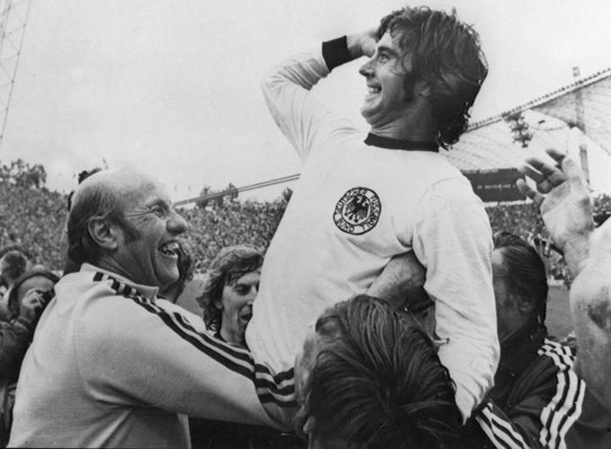 A causa da morte de Müller ainda não foi informada pela família