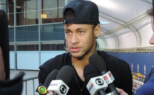 O jornal espanhol Sport questionou se ele jogou com condições totais, e ele negou