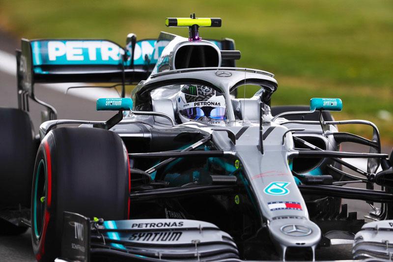 Finlandês ficou com a melhor marca da sexta-feira no traçado inglês. Foto: Mercedes-AMG F1