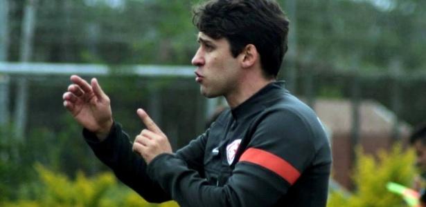 Cobalchini está em sua 2º passagem pelo Inter e treinou time profissional aos 25 anos