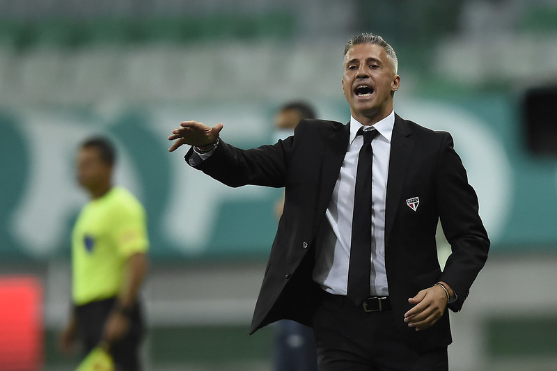 """Torcida Independente se disse """"fechada"""" com o treinador argentino. Foto: Staff Images/Conmebol"""
