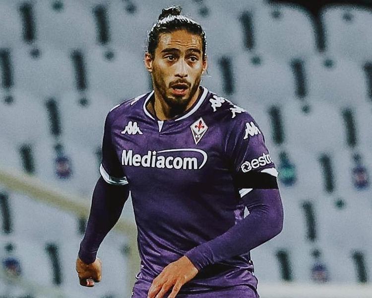 Zagueiro uruguaio de 33 anos está sem clube desde que deixou a Fiorentina e interessa ao Peixe. Foto: Instagram/Reprodução