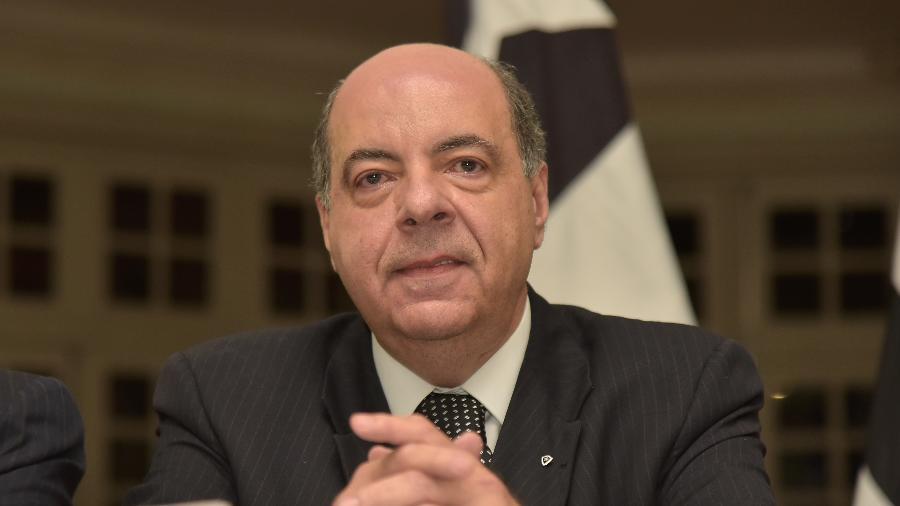 Nelson Mufarrej, presidente do Botafogo, tem feito muitas reuniões com diretoria para resolver crise