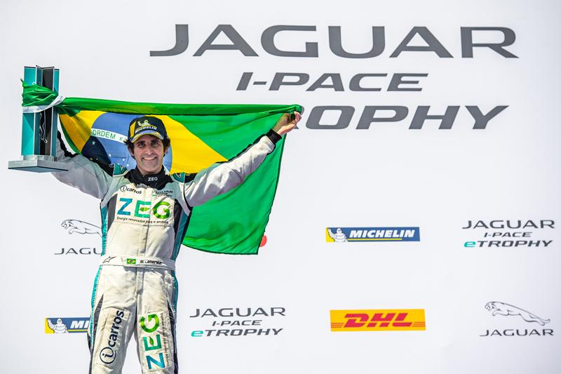 Piloto de 35 anos venceu a corrida no circuito montado no Brooklyn. Foto: José Mário Dias/Jaguar Brazil Racing