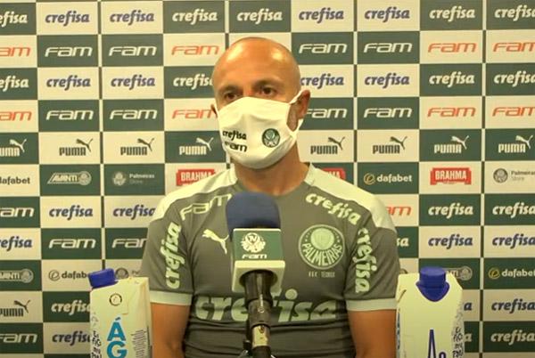 Português substituiu o compatriota Abel Ferreira, suspenso. Foto: Reprodução