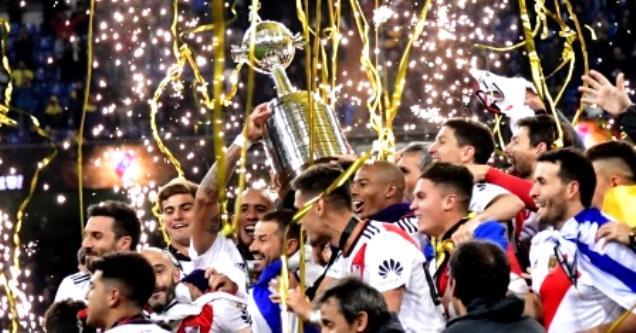 """""""Milionário"""" bate o Boca por 3 a 1, de virada na prorrogação, e conquista Libertadores 2018 na Espanha"""