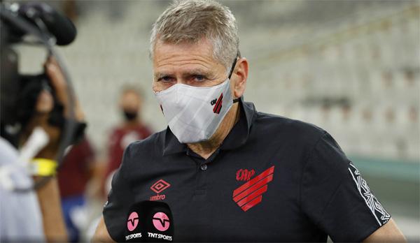 Treinador hoje é diretor de futebol do Athletico Paranaense. Foto:José Tramontin/athletico.com.br