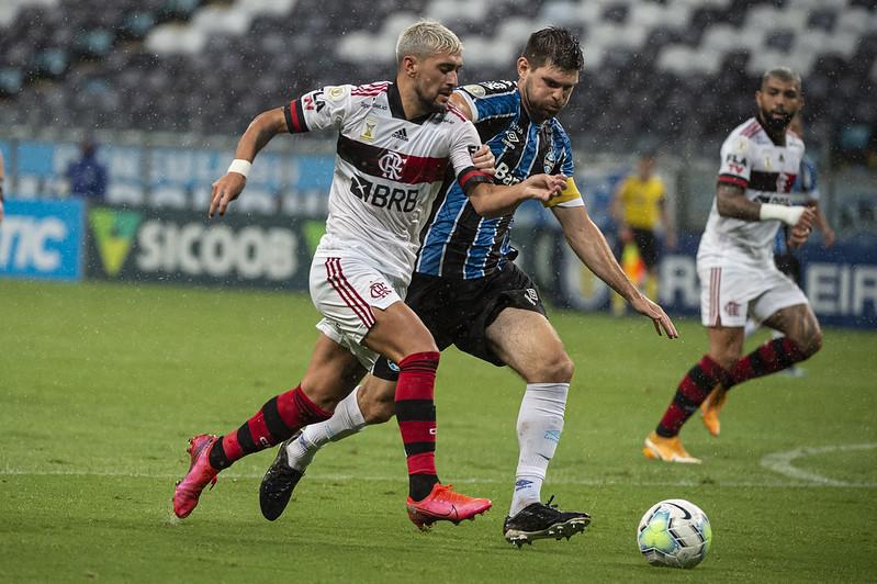 Gaúchos e cariocas iniciam a disputa por vaga na semifinal da competição. Foto: Alexandre Vidal/Flamengo