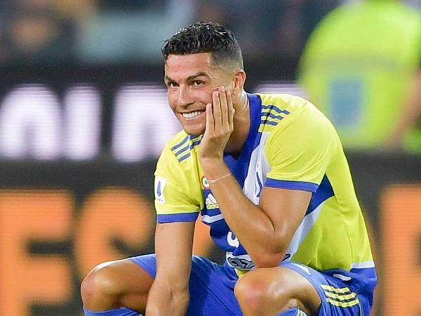 Craque português teria aceitado uma oferta do clube inglês. Foto: Facebook/Reprodução
