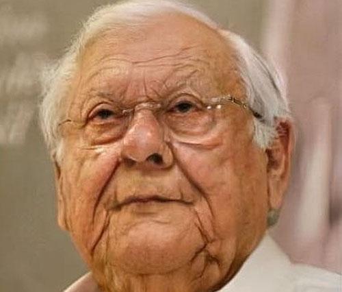 Perto dos 100 anos ficarei parecido com o Cid Moreira e terei feito um trilhão de merchans!