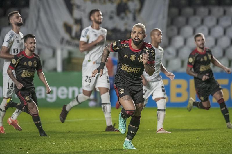 Artilheiro flamenguista tem 27 jogos e 27 gols marcados pelo Rubro-Negro na temporada. Foto: Alexandre Vidal/Flamengo