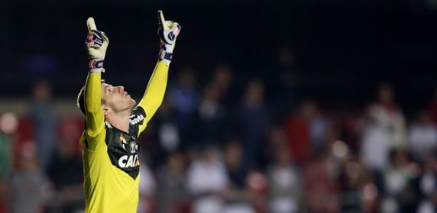 Aos 27 anos, sabe que ser titular do clube de maior torcida do Brasil não permite acomodação
