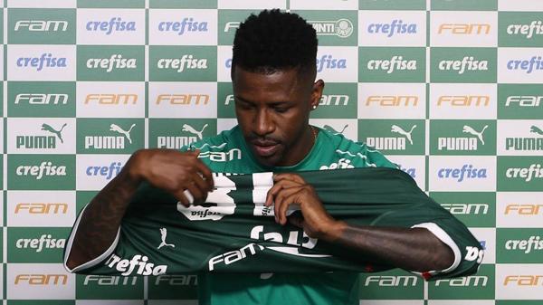 Jogador foi apresentado na segunda-feira (15) e afirmou estar muito perto do físico ideal. Foto: Cesar Greco/Ag Palmeiras/Divulgação/Via UOL