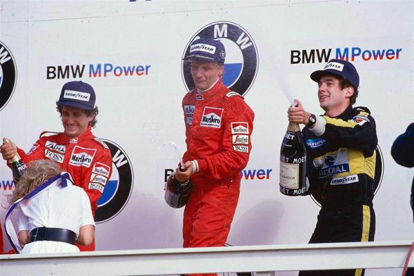 Lauda, no centro, ladeado por Prost e Senna em Zandvoort. Foto: Divulgação