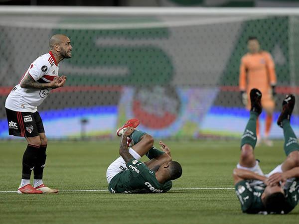 Lateral tricolor já manifestou publicamente sua insatisfação com os atrasos de pagamento no clube do Morumbi. Foto: Rubens Chiri/saopaulofc.net