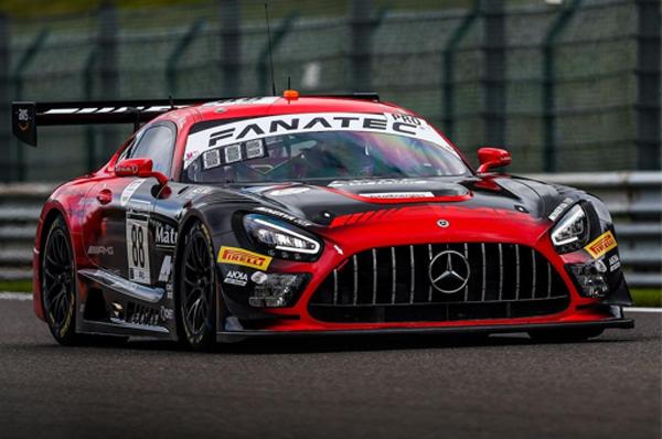 Brasileiro conduzirá Mercedes AMG neste final de semana. Foto: Divulgação/Instagram