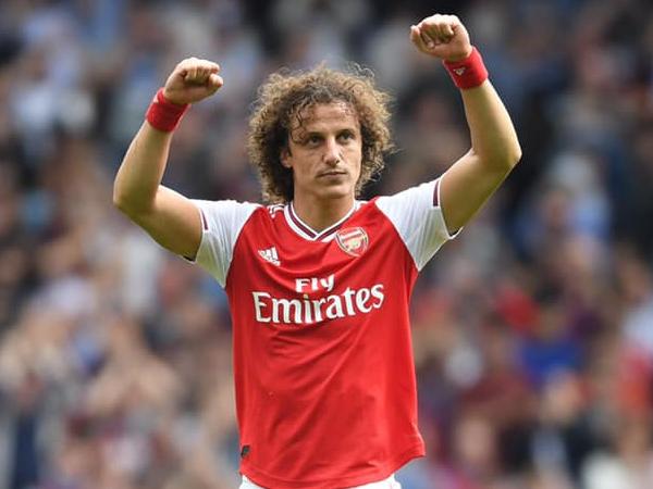 Zagueiro David Luiz é um nome que está livre no mercado e ainda pode chegar de graça para qualquer clube. Foto: Facebook/Reprodução