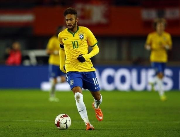 Aos 23 anos, o jogador completa um ano como capitão e camisa 10 da seleção brasileira, a maior vencedora em copas do Mundo de toda a história