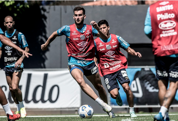 Leo Baptistão está relacionado para o jogo deste sábado. Foto: Divulgação/Santos F.C