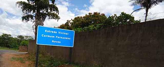 Estrada vicinal entre Caconde e Muzambinho chama-se Carmen Fernandes Neves