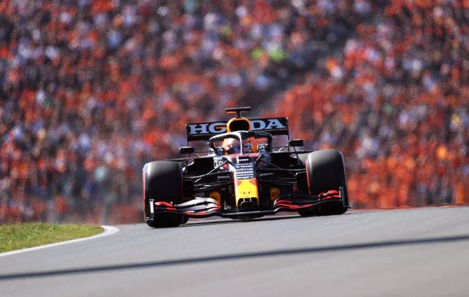 Holandês fez uma volta no limite em Zandvoort. Foto: Red Bull Racing Honda