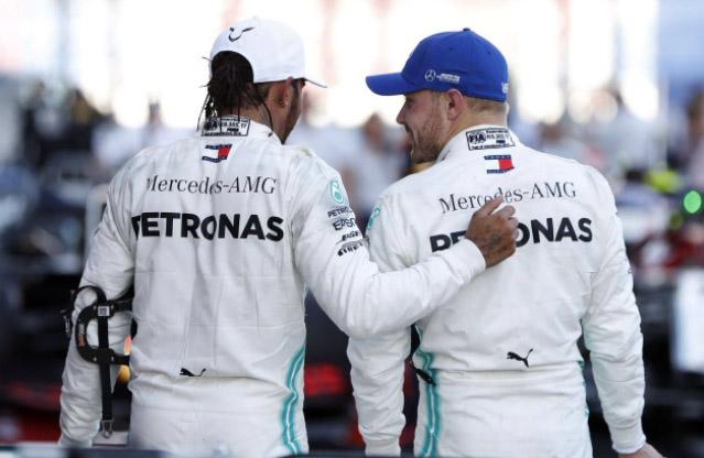 Britânico falou sobre a saída do finlandês da Mercedes. Foto: Twitter/Lewis Hamilton