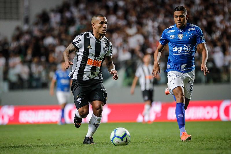 Os comandados de Mano Menezes enfrentarão o vencedor do confronto entre Palmeiras e Internacional