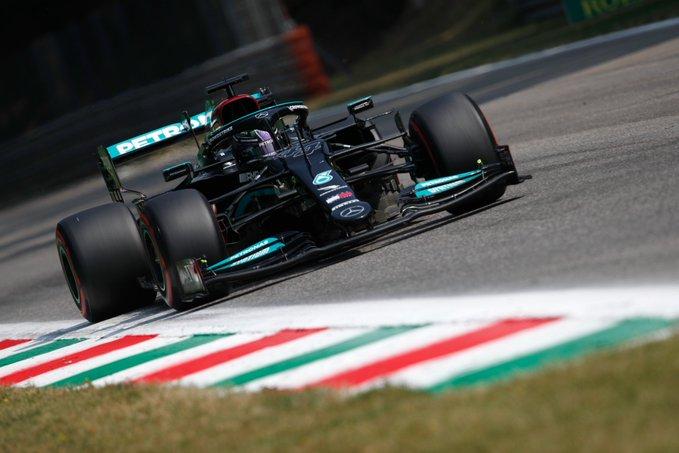 Finlandês dominou a prova curta na Itália mas não poderá largar na pole. Foto: Mercede-AMG Petronas F1