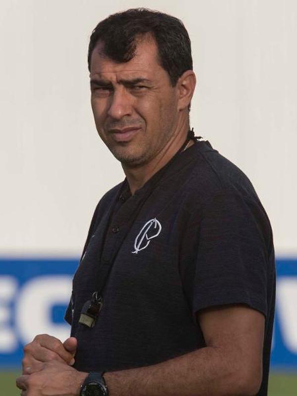 Carille tem maratona de jogos com o Corinthians. Foto: Daniel Augusto Jr/Ag. Corinthians/Via UOL