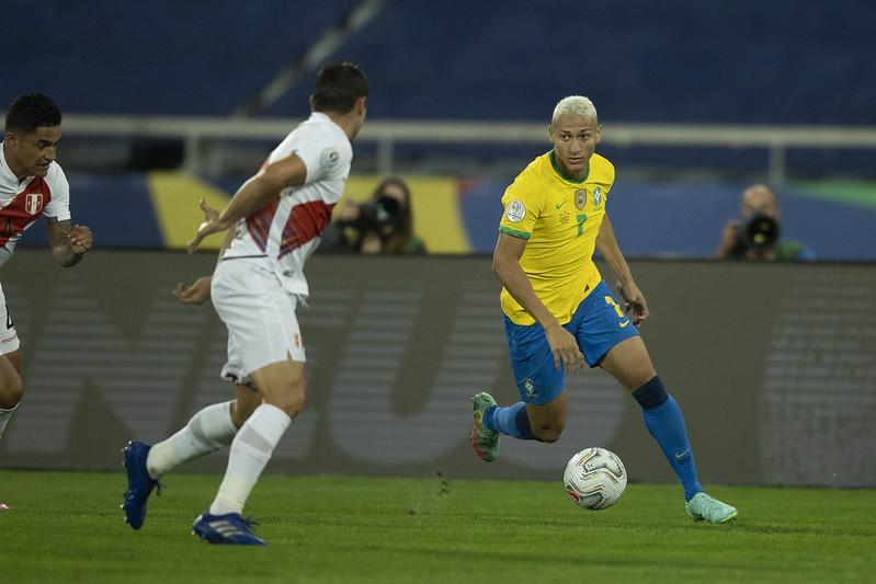 Comissão técnica brasileira está confiante na liberação de jogadores da Premier League. Foto: Lucas Figueiredo/CBF