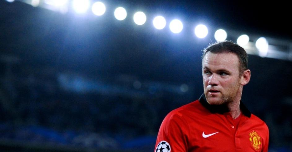 O Manchester United decidiu renovar o contrato do jogador e o camisa 10 agora receberá 300 mil libras (R$ 1, 1 milhão) por semana