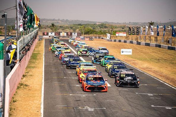 Rodada dupla foi movimentada na capital de Goiás. Foto: Victor Eleuterio/Stock Car