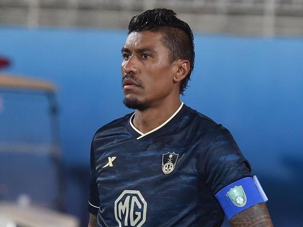 Volante de 33 anos rescindiu com o Al Ahli, mas só pode jogador por um clube brasileiro a partir de 2022. Foto: Divulgação