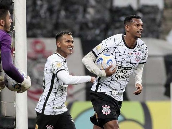 Camisa 77 alvinegro tem cinco gols e duas assistências sob o comando de Sylvinho. Foto: Rodrigo Coca/Ag Corinthians