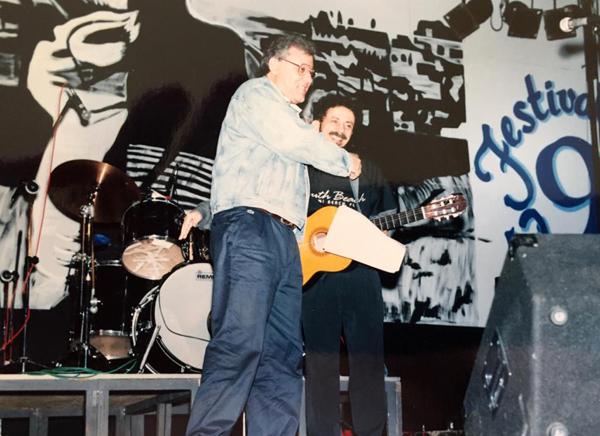 Foi no 9º Festival da Música Popular, na cidade do Sul de Minas