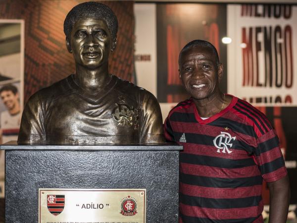 Adílio vestiu a camisa do Fla e do clube equatoriano. Foto: Paula Reis
