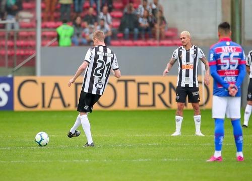 As equipes empataram, por 2 a 2, na Arena Independência, em Belo Horizonte. (Foto: Agência Galo)